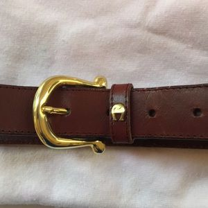 Etienne Aigner leather belt gold tone finishing